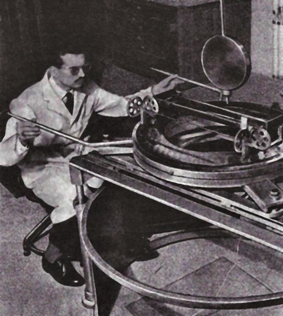 Allais-technician-Bourgeot-pendulum-experiments2